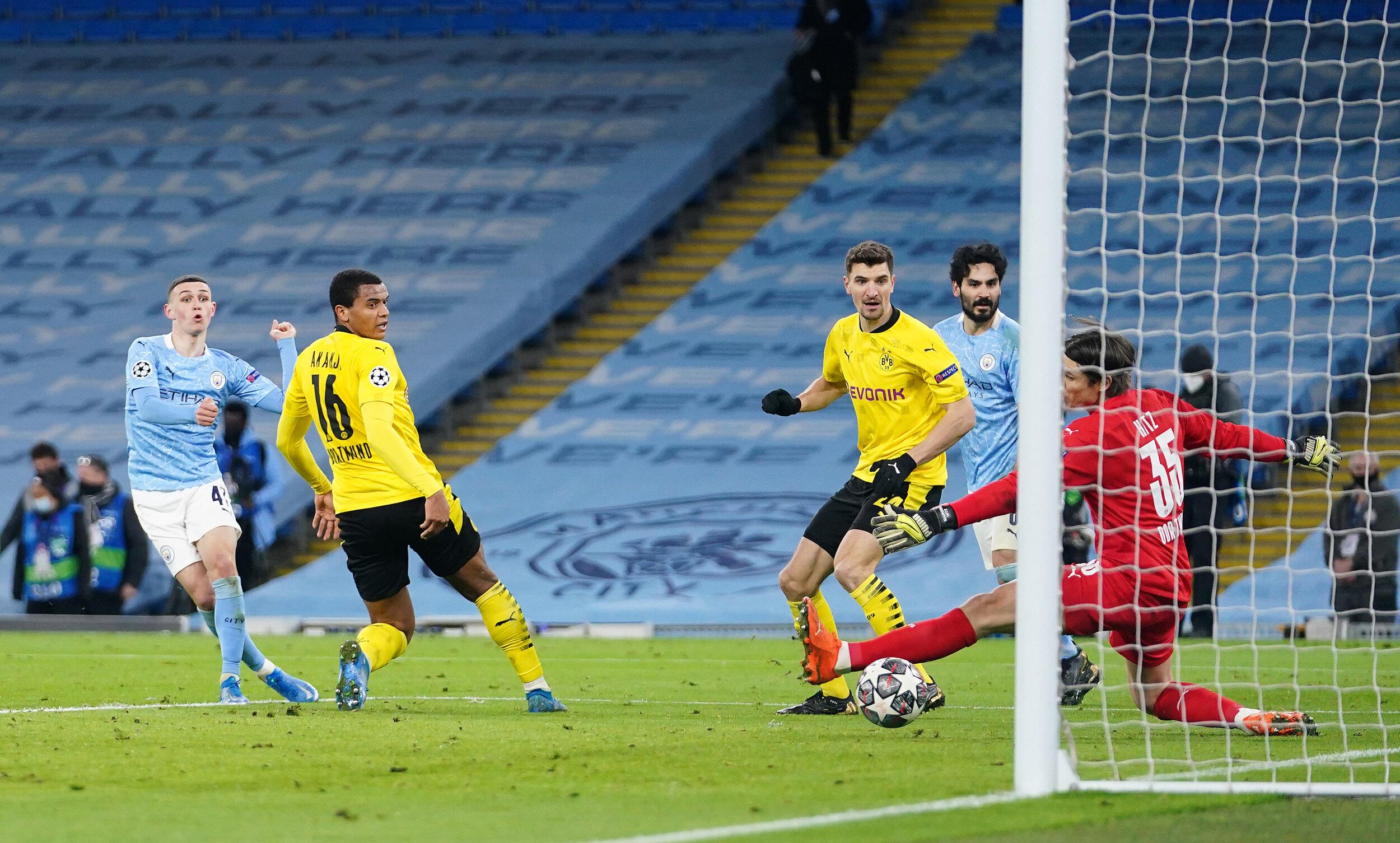 El City derrota 2-1 al Borussia Dortmund